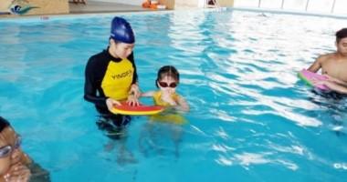 Xóa bỏ những nỗi sợ hãi khi học bơi